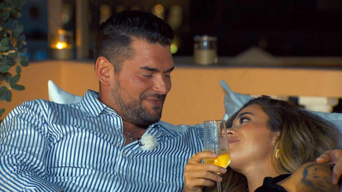 Ioannis und Bachelorette beim romantischen Einzeldate in Folge 5