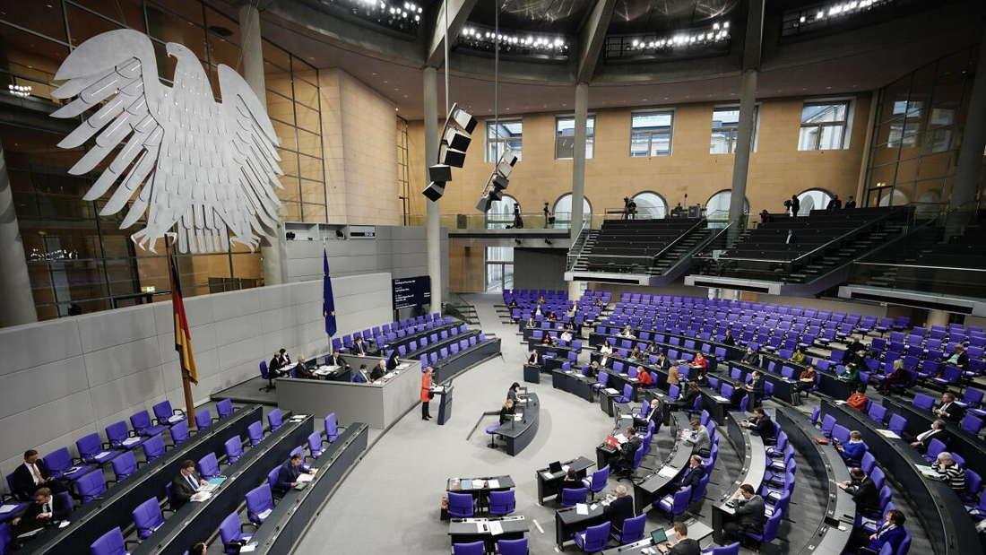Der Deutsche Bundestag tagt bei einer Debatte