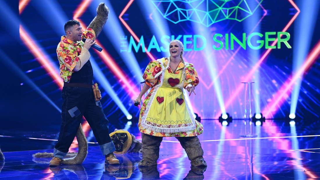 "Daniela Katzenberger und Ehemann Luca Cordalis als Erdmännchen bei ""The Masked Singer"""