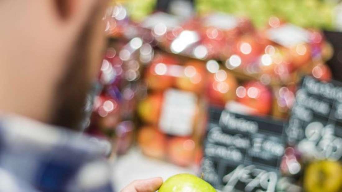 Einfache Produkte lassen sich gerade beim Kauf vor Ort einfach vergleichen. Online und bei komplexeren Produkten sieht es hingegen anders aus.