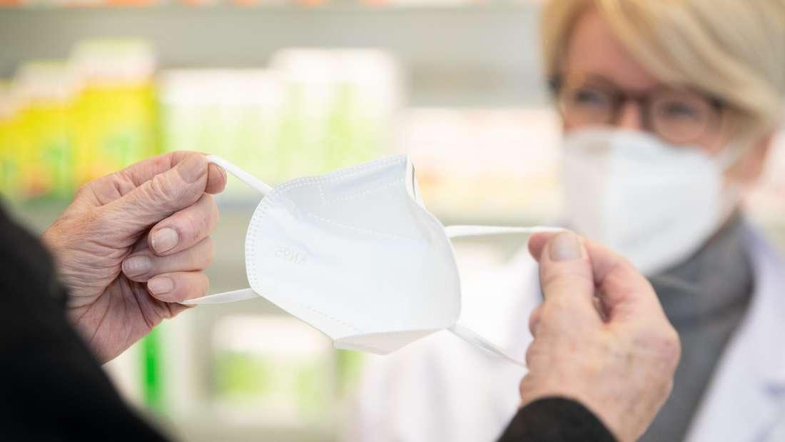 FFP2-Masken aus der Apotheke schützen effektiv vor dem Coronavirus (Symbolbild).