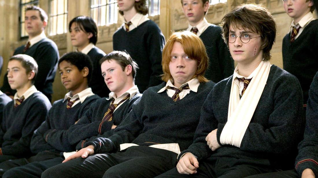 """Seamus Finnigan (3.v.l.) in """"Harry Potter und der Feuerkelch""""."""