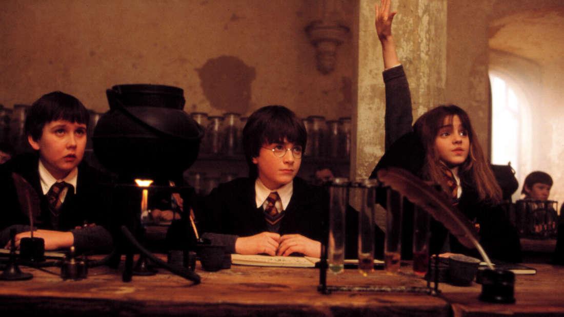 Matthew Lewis (links) als Neville Longbottom in Harry Potter und der Stein der Weisen 2001