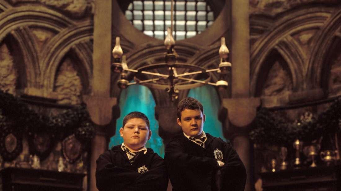 Jamie Waylett (links) und Joshua Herdman (rechts) als Vincent Crabbe und Gregory Goyle in Harry Potter und die Kammer des Schreckens