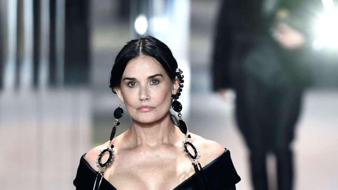 Fashion Week Paris - Demi Moore
