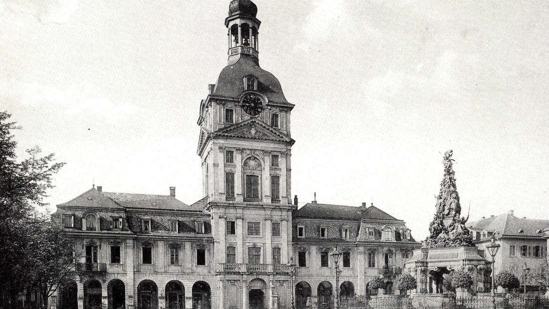 """Das """"Alte Kaufhaus"""" am Paradeplatz in Mannheim im Jahre 1892."""