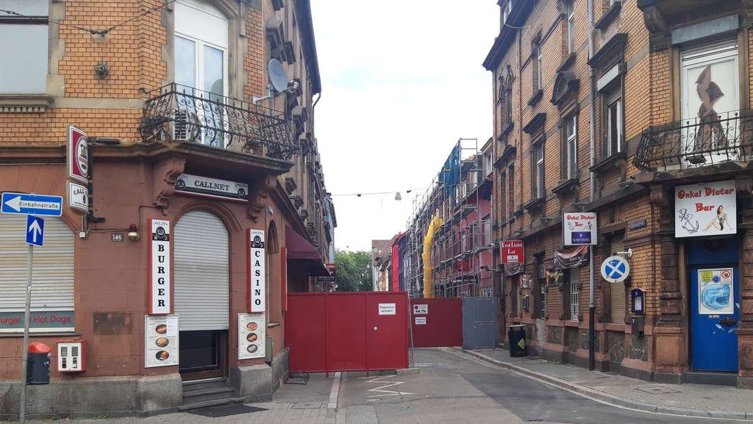 Bleibt der Eingang zur sündigen Lupinenstraße in Mannheim-Neckarstadt bald für immer verschlossen?