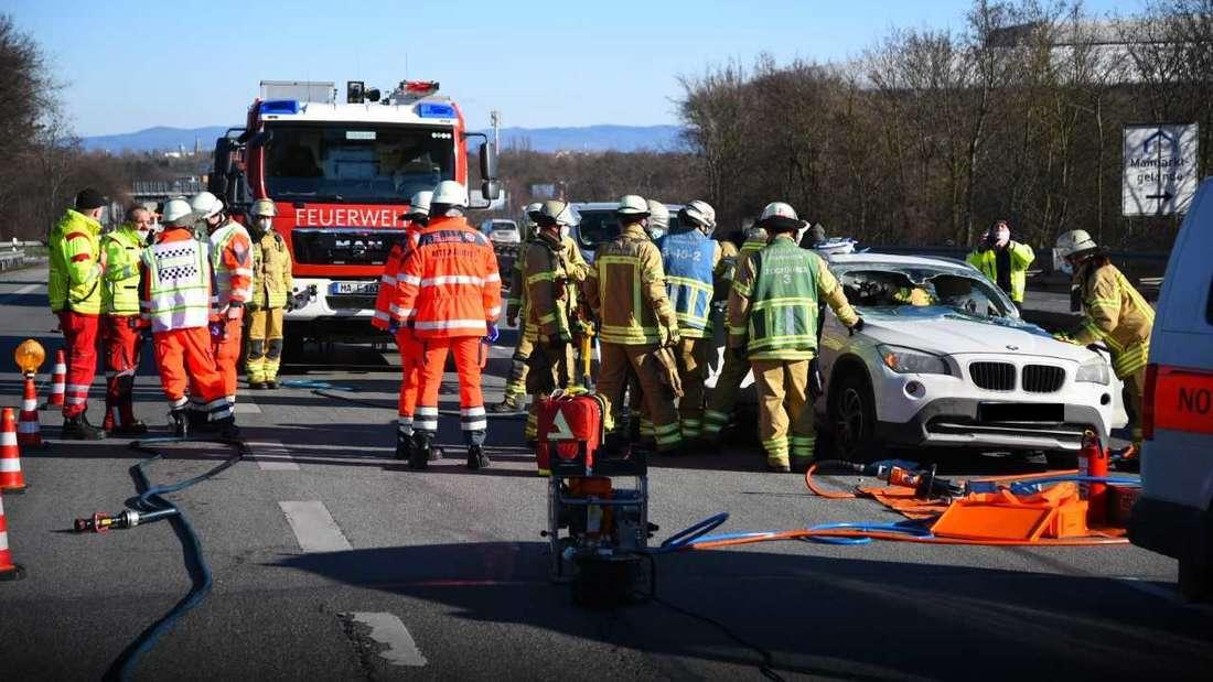 Mannheim: Schwerer Unfall auf Höhe SAP Arena – B38 voll gesperrt