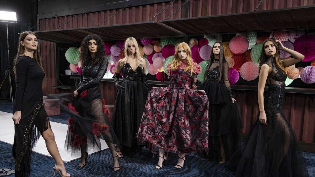 Chanel (ganz links) und weitere GNTM-Kandidatinnen der 16. Staffel