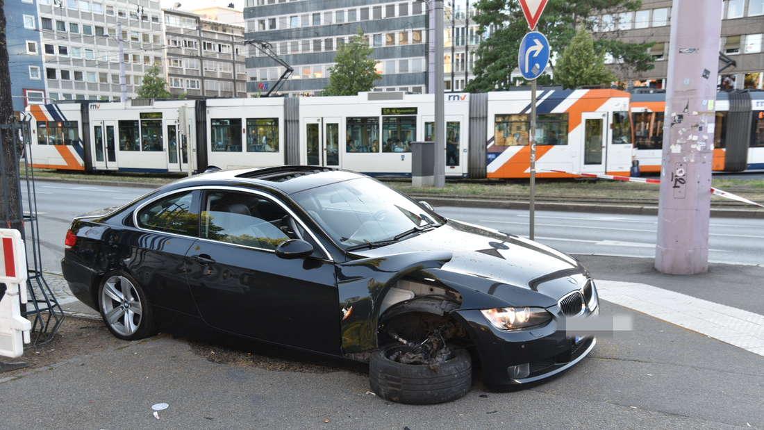 Im Juni 2019 verursachte ein Poser sogar einen schlimmen Unfall am Mannheimer Wasserturm. (Archiv)