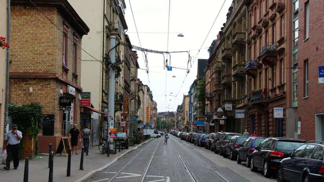 In der zentralen Mittelstraße in der Neckarstadt-West herrscht künftig Parkscheinpflicht. (Archivfoto)