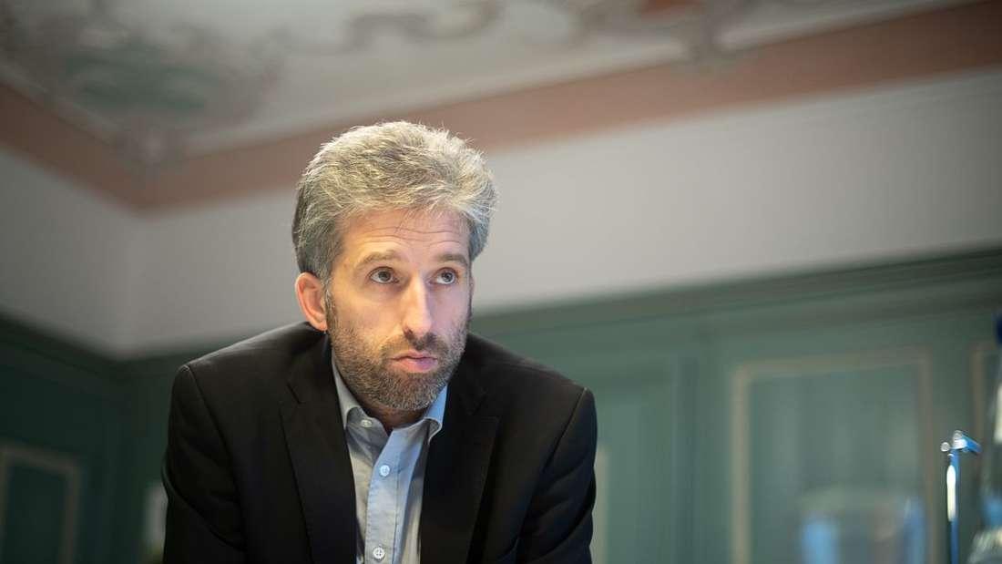 Boris Palmer (Bündnis 90/Die Grünen), Oberbürgermeister der Stadt Tübingen, aufgenommen bei einem Interview.