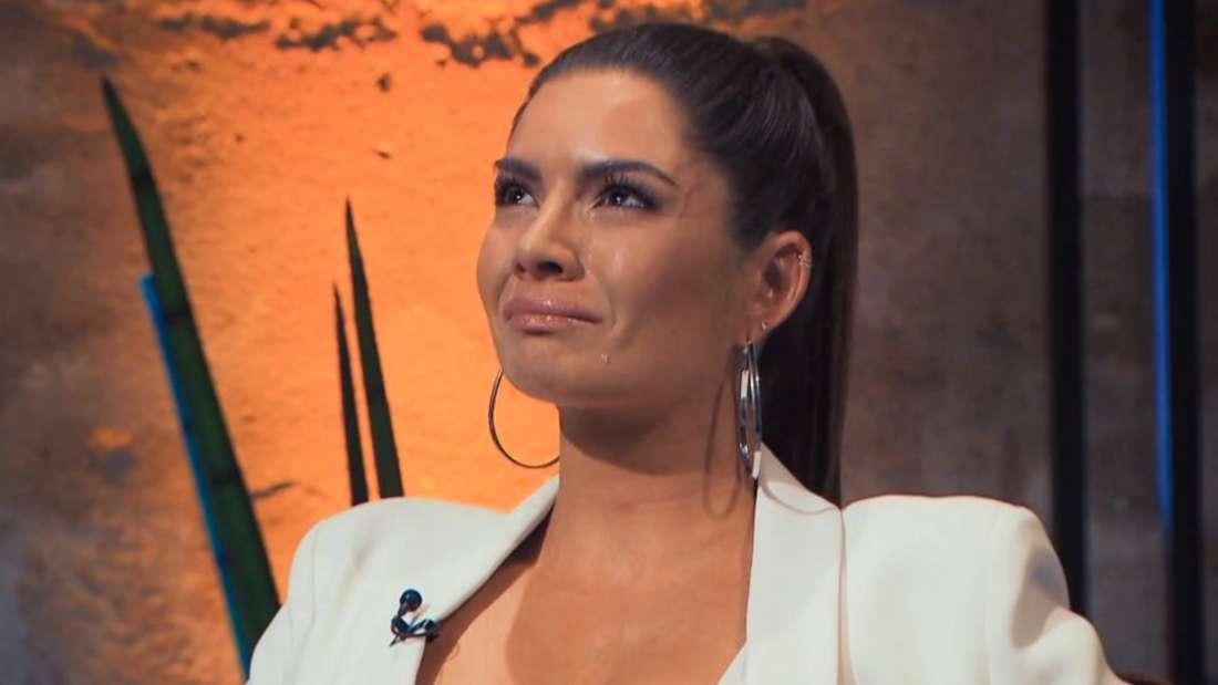 Michèle weint