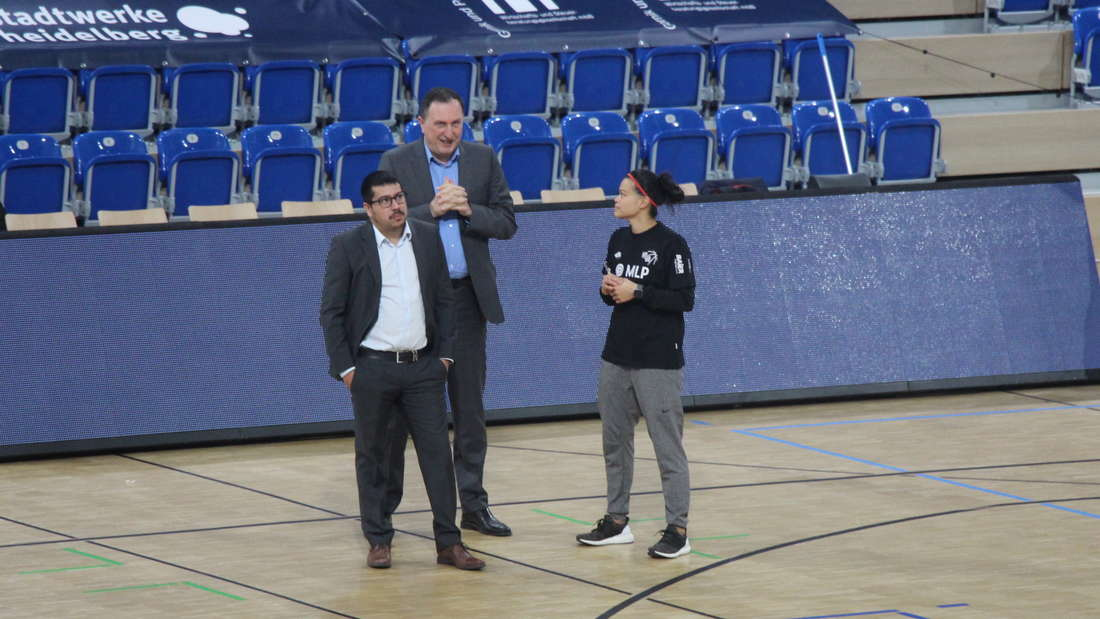 SNP Dome feiert Premiere: MLP Academics Heidelberg gegen Eisbären Bremerhaven.