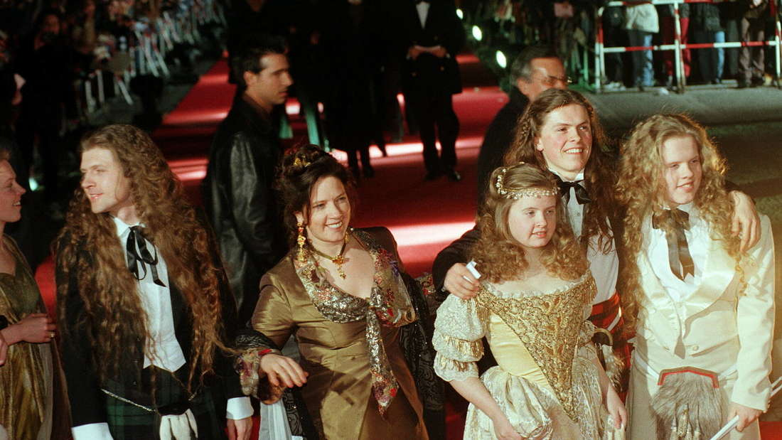 Die Kelly Family bei der Verleihung der Goldenen Kamera 1998. v.l.n.r: John, Kathy, Barby, Paddy, Angelo.