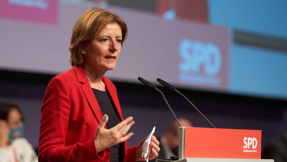 Die rheinland-pfälzische Ministerpräsidentin Malu Dreyer spricht beim Parteitag SPD Rheinland-Pfalz. (Archivfoto)