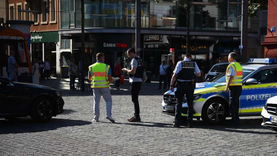 Polizei-Aufgebot rund um den Marktplatz in Mannheim
