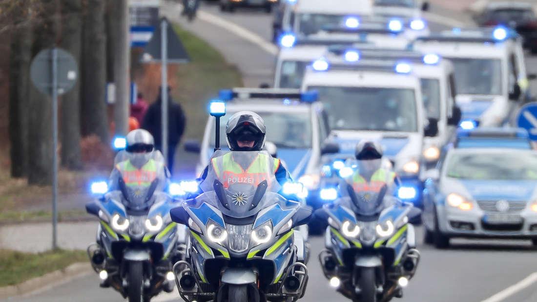Polizei beendet Autokorso von Abiturienten in Weinheim (Symbolfoto)