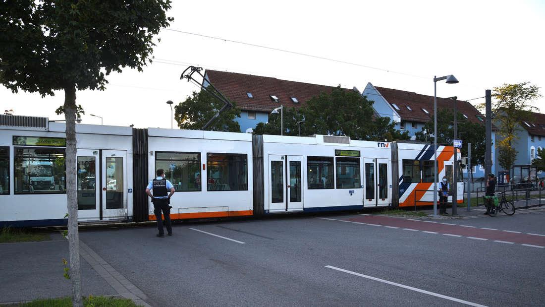 Mannheim: Straßenbahnunfall an der Haltestelle Hessische Straße in der Nähe der Benz Baracken.