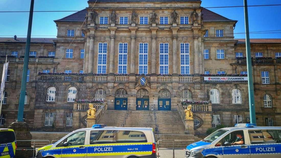 """Die Corona-Demo der """"Querdenker"""" am Samstag (19.06.2021) bleibt verboten. Die Polizei hat die Innenstadt in Kassel trotzdem vorsorglich abgeriegelt."""