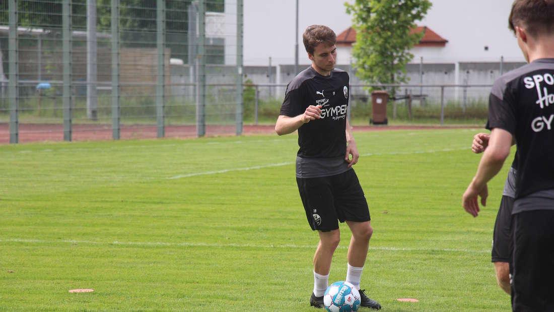 Neuzugang Gianluca Gaudino beim ersten Training.