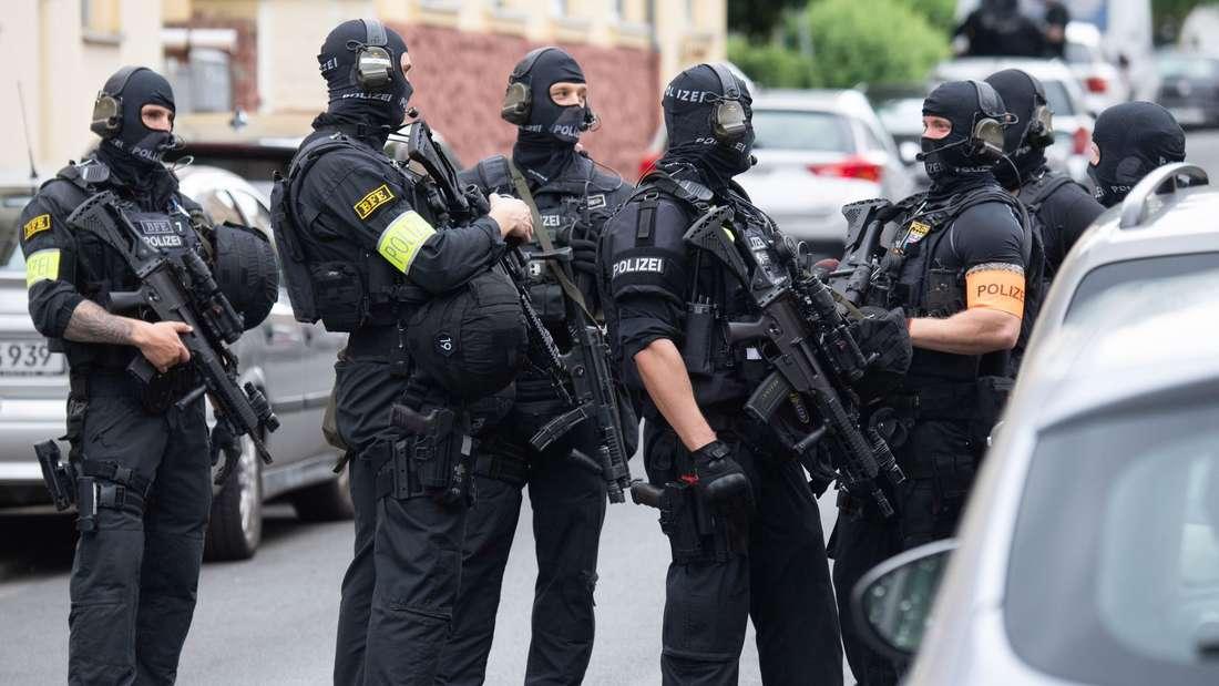 Großeinsatz der Polizei in Frankfurt