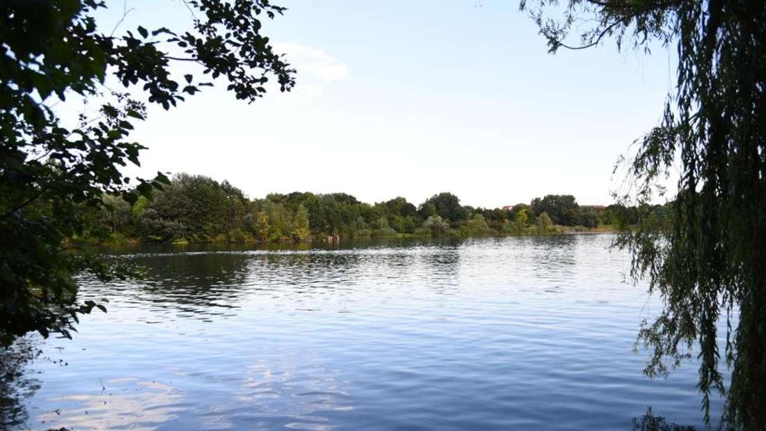 Nach tragischen Badeunfällen: Kommt ein Badeverbot für den Vogelstang-See? (Archivbild)