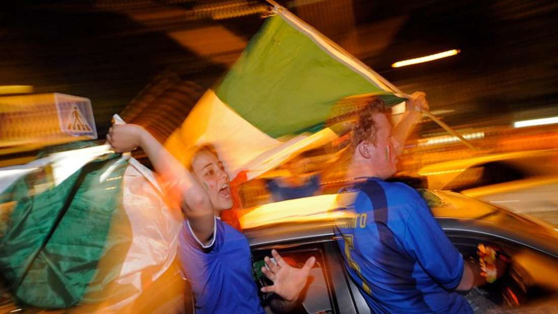 Italienische Fans feiern den Sieg ihrer Mannschaft bei der Fußball-EM 2021. (Symbolfoto)