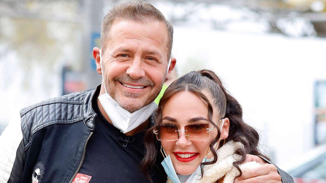 Schauspieler und Reality-Star Willi Herren und seine Tochter Alessia in Köln bei der Eröffnung seiner Willi Herren's Rievkooche Bud, Willi Herrens Reibekuchen Bude.