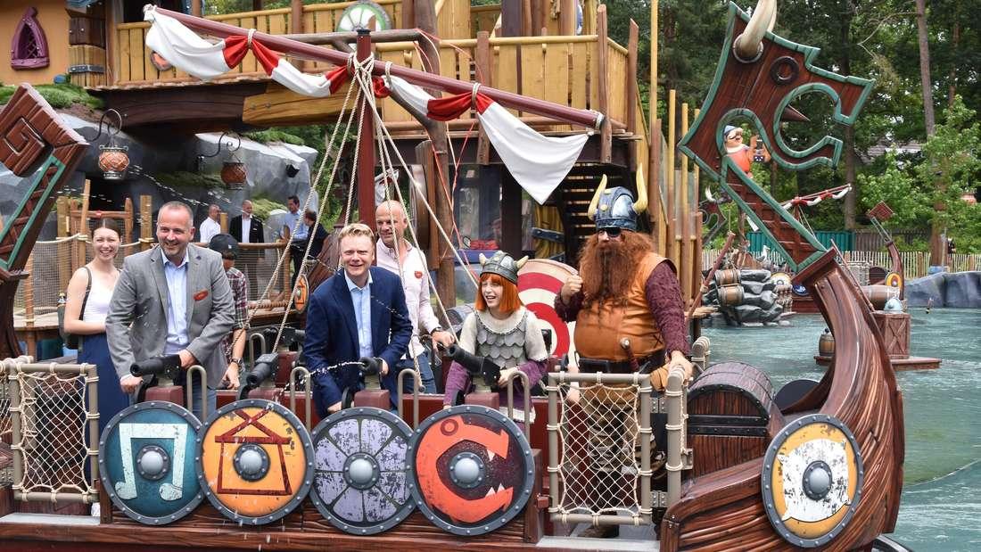 Das Wikingerschiff von Wickie und seinem Vater, Häuptling Halvar lädt zu einer Spritztour im Holiday Park ein.