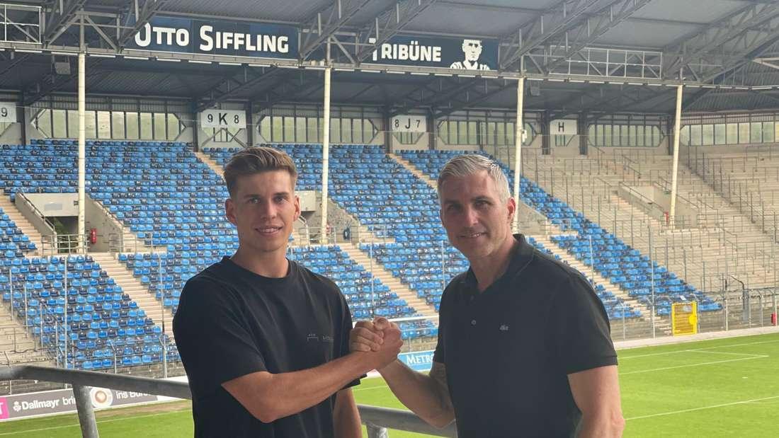 Alexander Rossipal (l) verstärkt den SV Waldhof Mannheim.