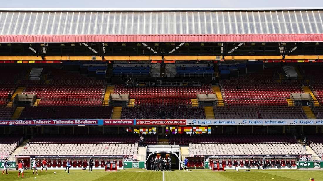 Das Pokalspiel 1. FC Kaiserslautern gegen Borussia Mönchengladbach findet im Fritz-Walter-Stadion statt.