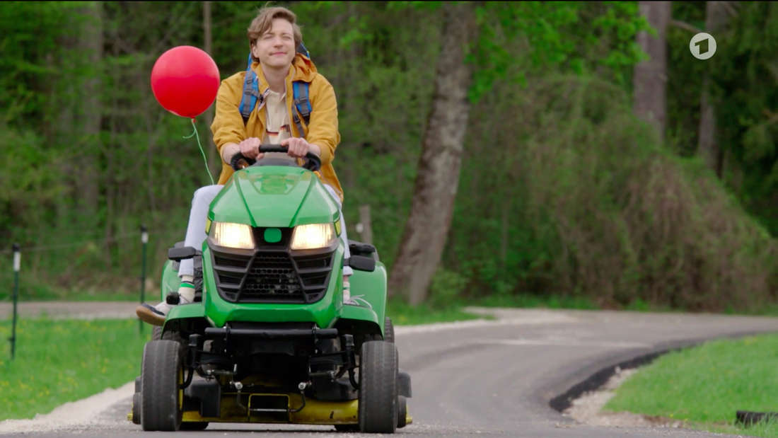 Sturm der Liebe (ARD): Gerry fährt mit einem Rasenmäher von Mannheim nach Bichlheim