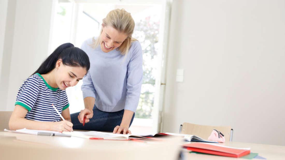 Mit Kompetenz und Geduld hilft Studienkreis den Schülerinnen und Schülern beim Lernen.