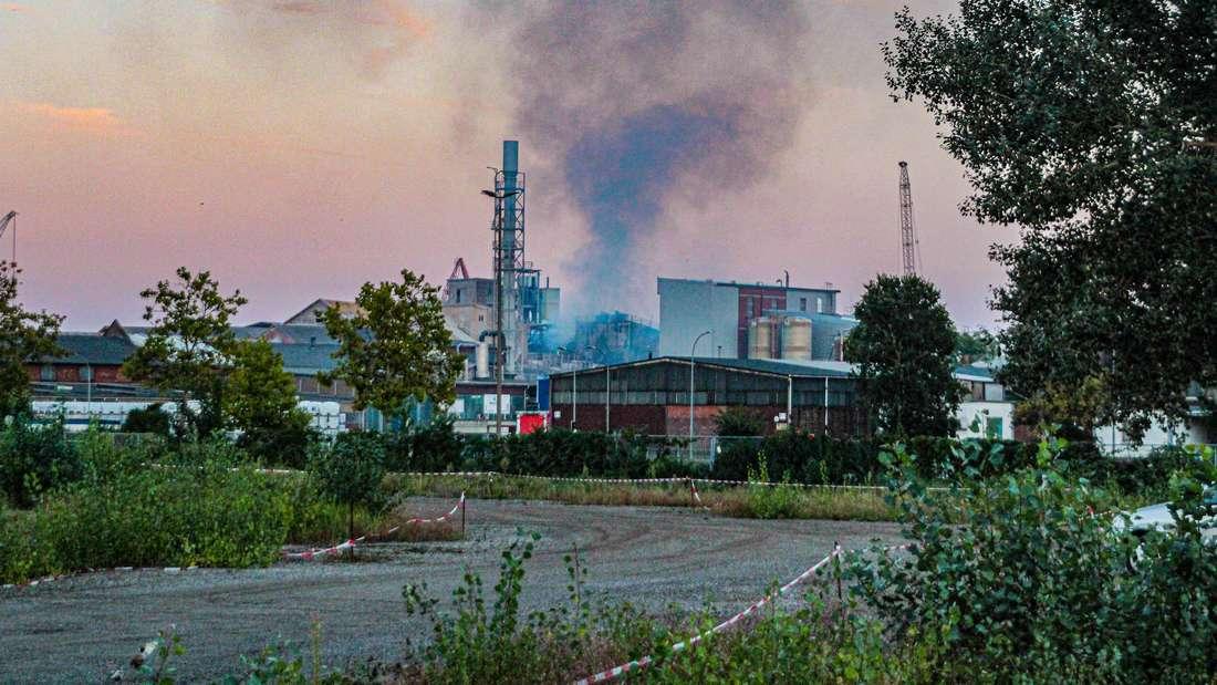 Im Chemiepark in Ludwigshafen-Rheingönheim ist ein Feuer ausgebrochen (8. September 2021).