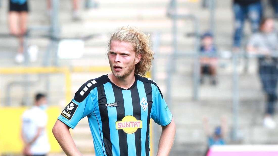Jesper Verlaat bei SV Waldhof - Hallescher FC.