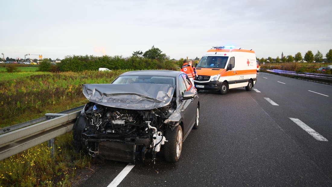 Eines der beiden am Unfall beteiligten Autos auf der B535 bei Plankstadt.