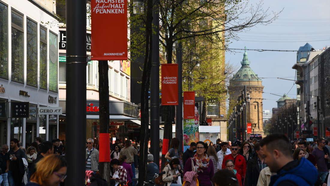 Ladenbesitzer hoffen auf einen Kundenansturm und volle Kassen beim verkaufsoffenen Sonntag in Mannheim am 3. Oktober. (Archivfoto)