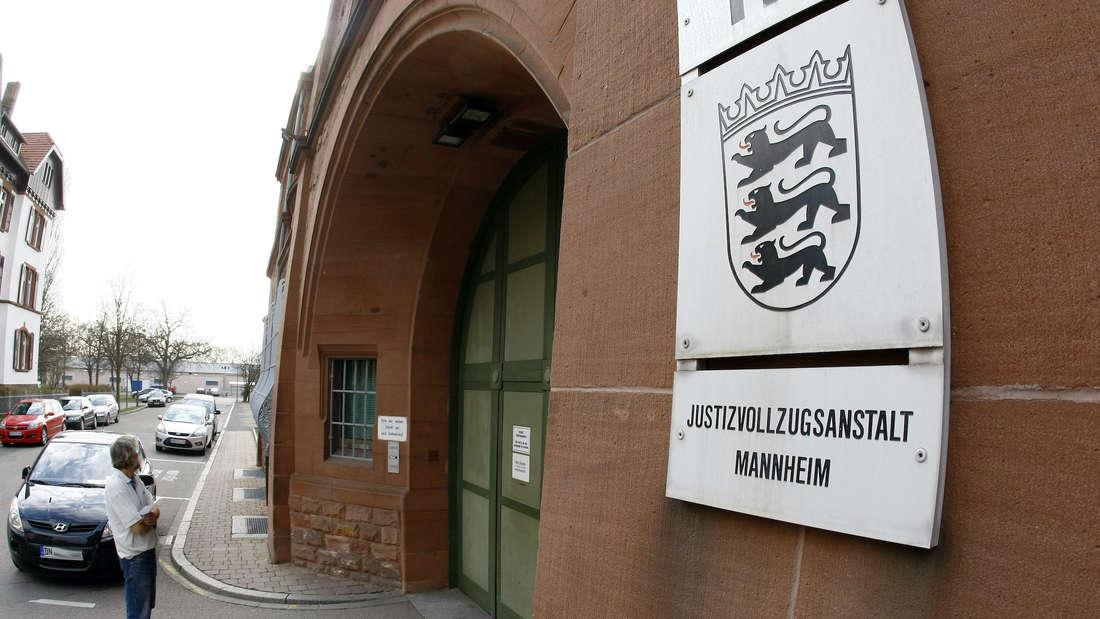 Der Eingang der JVA Mannheim.